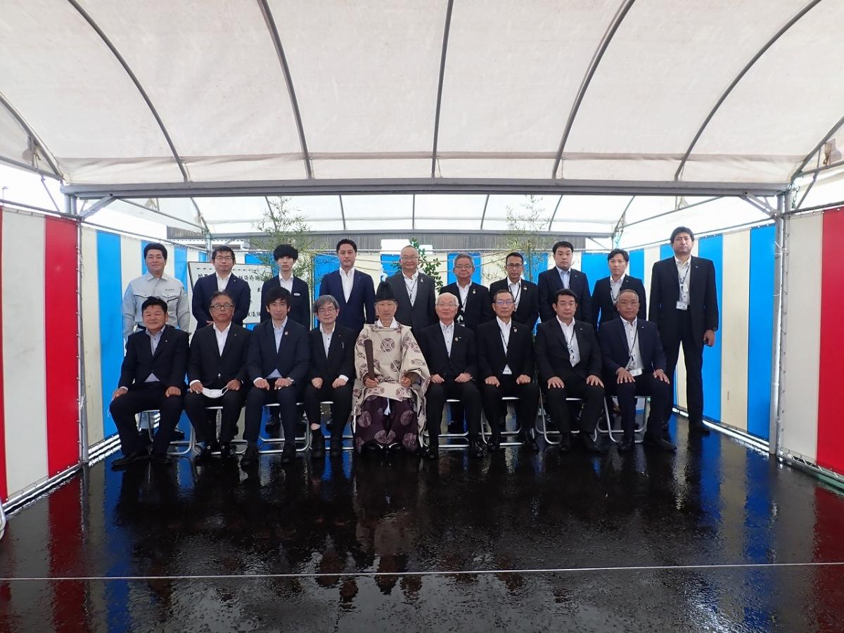 「南九州日野自動車 都城支店整備場増築プロジェクト」の地鎮祭が執り行われました
