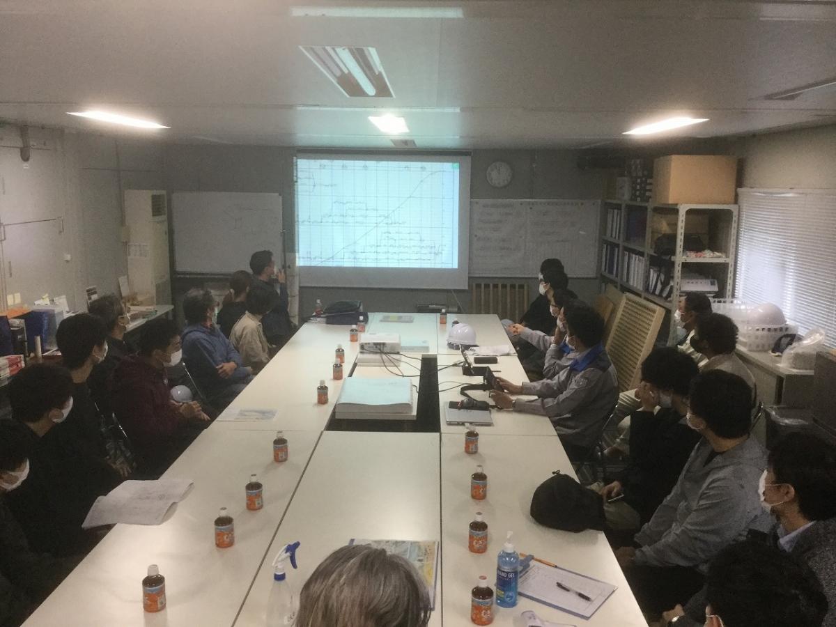 「岐阜県多治見市小泉小学校」の現場見学会が開催されました