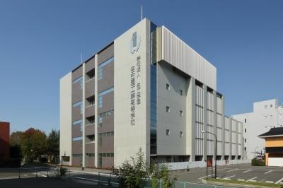 学校法人名工学園 新体育館